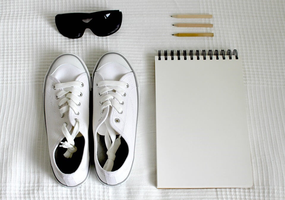 Wardrobe Essentials like white sneakers, denim jackets and shorts every college girl must own for the most amazing look!- voxytalksy