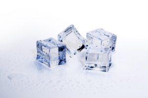 ice skincare holi hacks, moisture skin